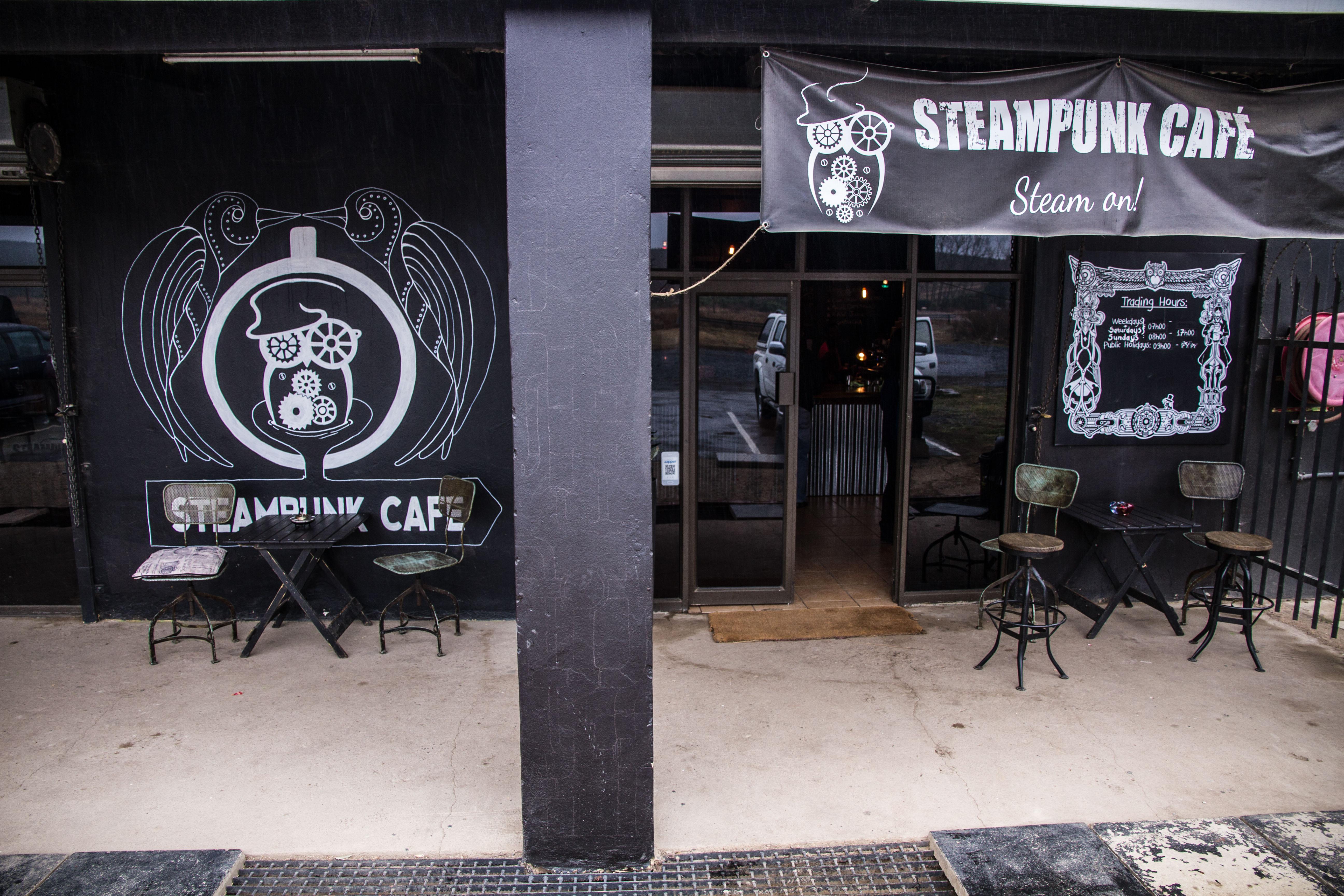 Steampunk Cafe (2)
